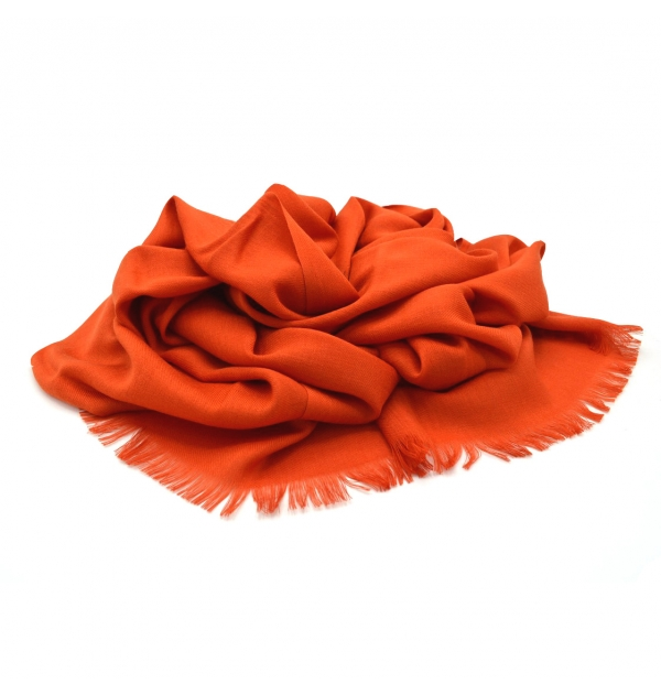 Light scarf with a soft touch