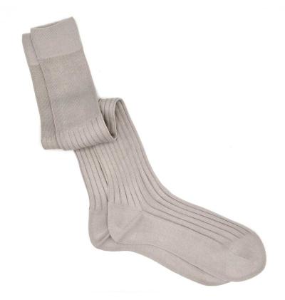chaussettes-montantes-mi-bas-unies-gris-glacier-en-pur-fil-d'écosse-remaillées-à-la-main-pour-hommes