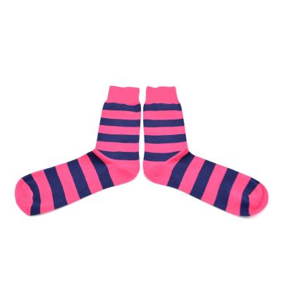 chaussettes-fantaisie-hommes-femmes-en-coton-roses-à-rayures-bleu-marine-remaillées-à-la-main