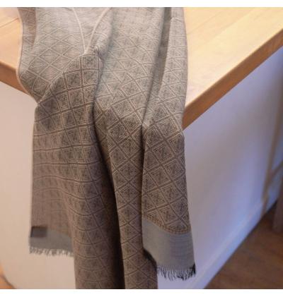 Echarpe légère beige à losanges unisexe en laine vierge et fibres végétales de viscose