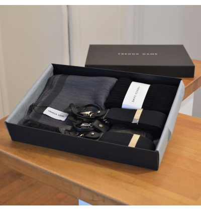 Giftbox with matching suspenders, 1 pair of socks and a scarf